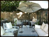 """Das Restaurant """"Le Garage"""" in Lumieres - Vacances Provence Bonnieux"""
