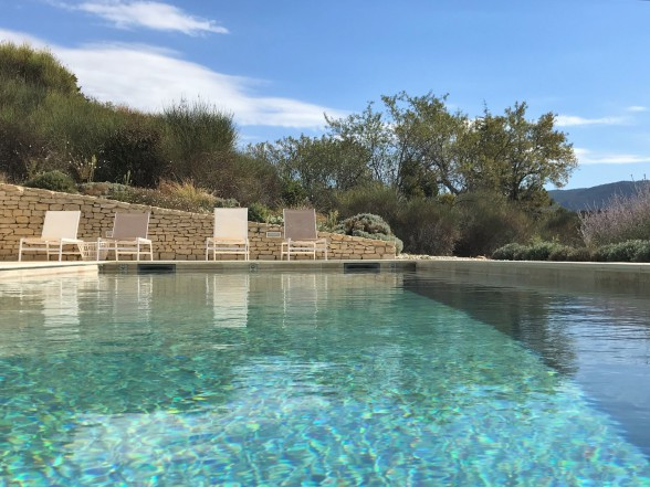 Pool - fast direkt im Naturpark Luberon