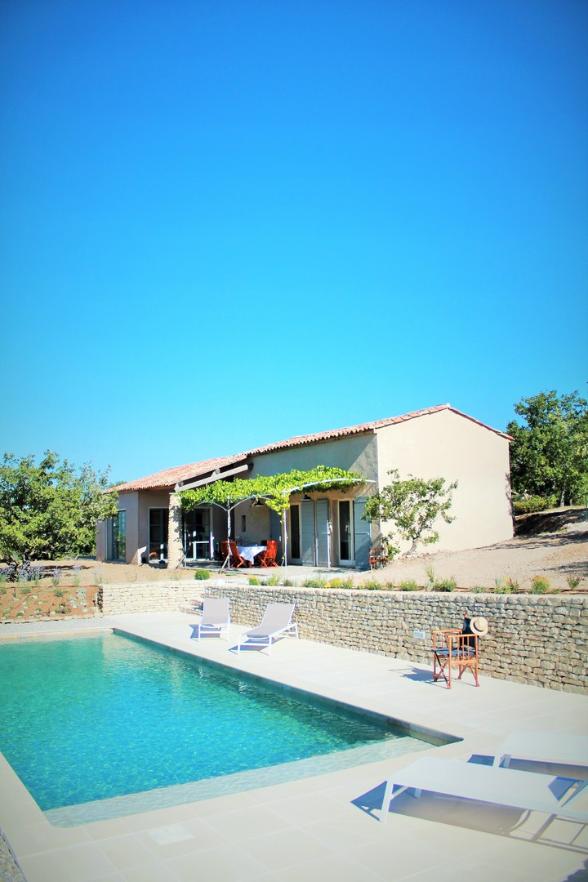 La piscine est 4x11m - Bienvenue en Vacances