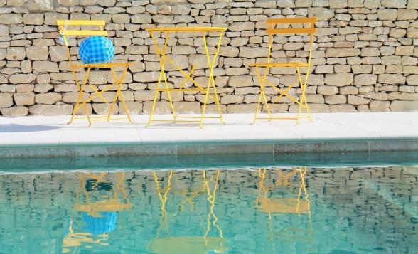 """Der Swimming Pool des """"Ciel Du Luberon"""" ist im Frühling 2016 fertig gestellt worden, 4x11 Meter groß."""